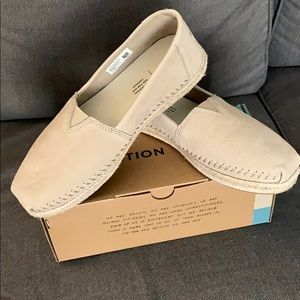 Stone Brown Nubuck Toms Size 9